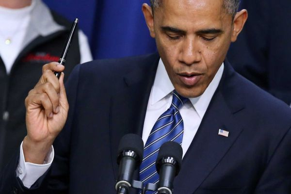 Obama pen and microphone